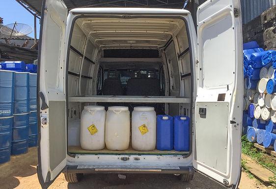 Galões para água potável e água servida