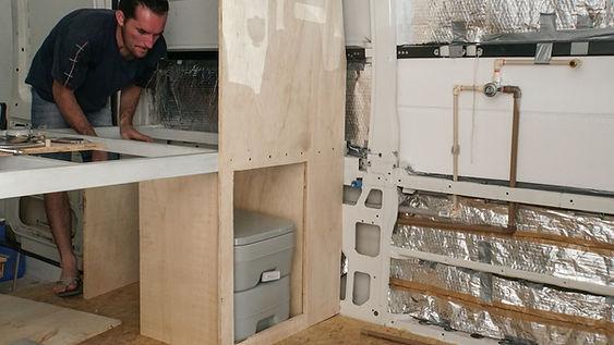 Montagem Motorhome | Hidráulica do Banheiro