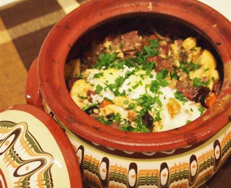 Традиционни ястия и техните истории - Гювеч