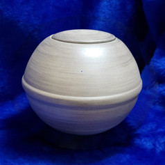Urnature Nix Beige Biodegradable Urn