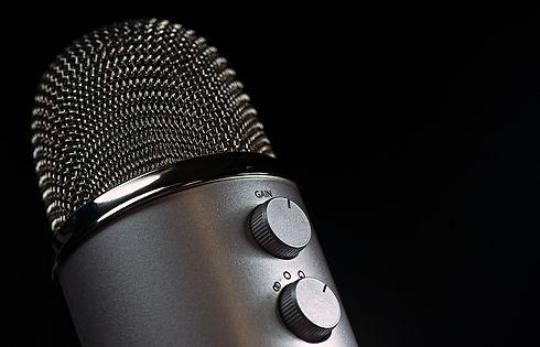 microphone-1172260_1920.jpg