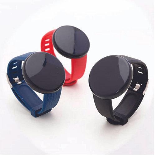 Smartwatch D118 com a pulseira azul