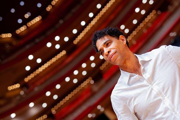Carlos_Acosta_-_Photo_©_Man_Yee_Lee_1.j
