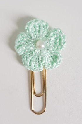 Clips flor crochê