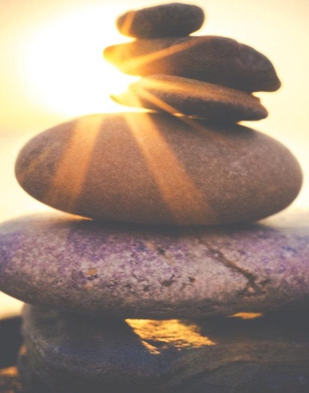 balancing-rock-formation-816377_edited_e