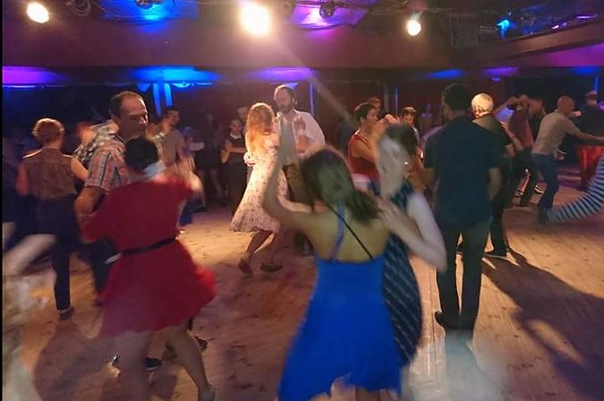 Free swing dance lessons in Alexandria at La Trattoria restaurant