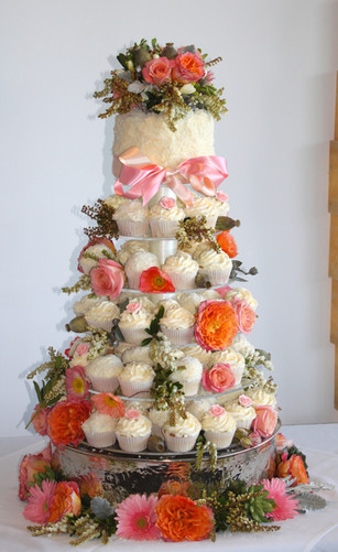Wedding Cupcakes with Fresh Flowers
