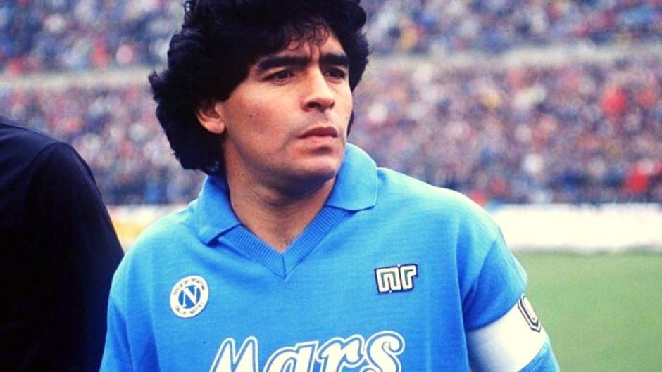 Maradona, 60 anni per l'argentino di Napoli
