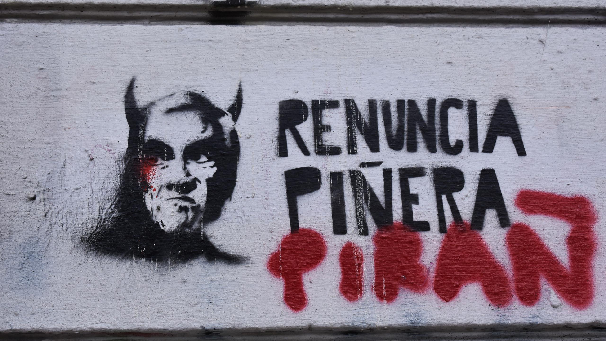 «Piñera dimettiti»