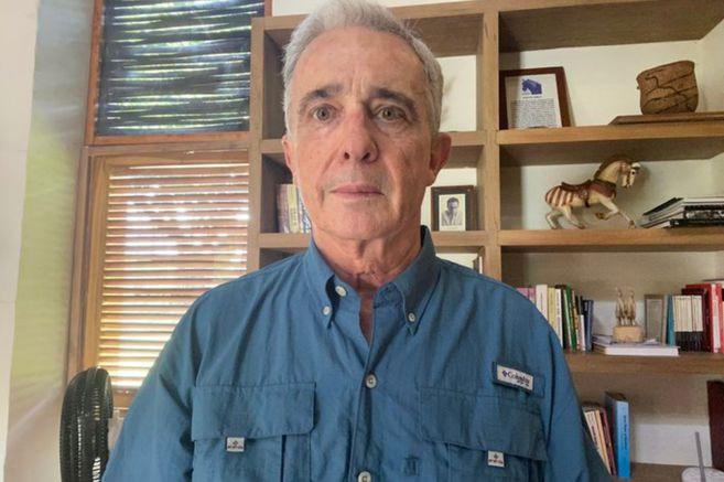 Colombia, l'ex presidente Uribe andrà in prigione?