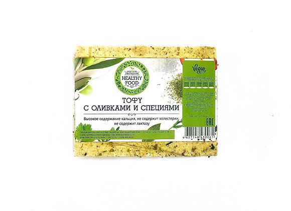 Тофу с зелеными оливками и специями