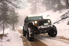winch jeep pull winter.jpg