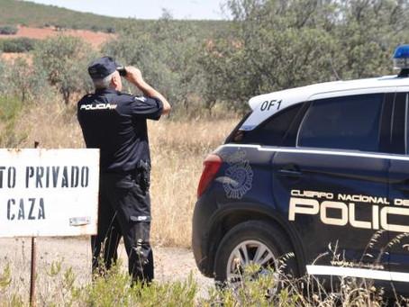 Detenidos dos estafadores que captaban a sus víctimas anunciando falsas cacerías en Internet