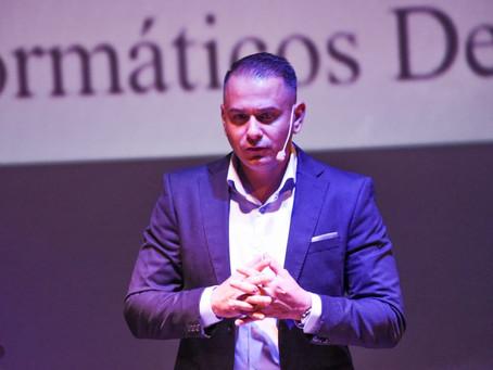 Experto en ciberdelincuencia de Canarias colabora con la Policía de Colombia