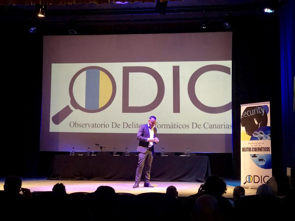 Sergio Díaz presentando oficialmente la Página Web del ODICanarias