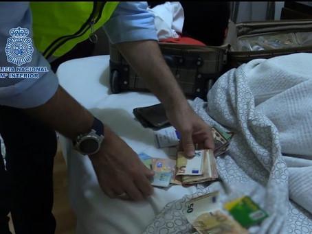 """La Policía Nacional desmantela una """"estación de trabajo"""" para obtener datos de tarjetas bancarias"""