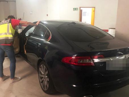 Detenido en Gandia un joven de 23 años por robar un Jaguar con el pretexto de probarlo