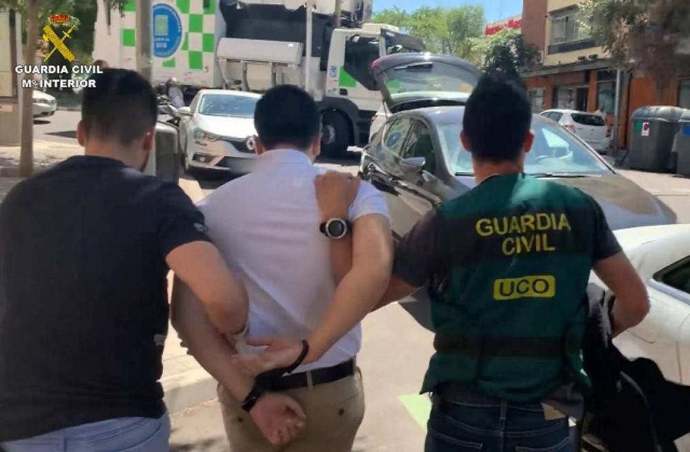 El ciberestafador en el momento de ser detenido en Madrid