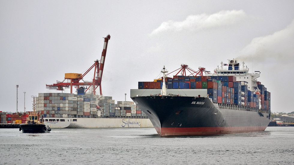 China's rising economy fuels demand for Australian exports
