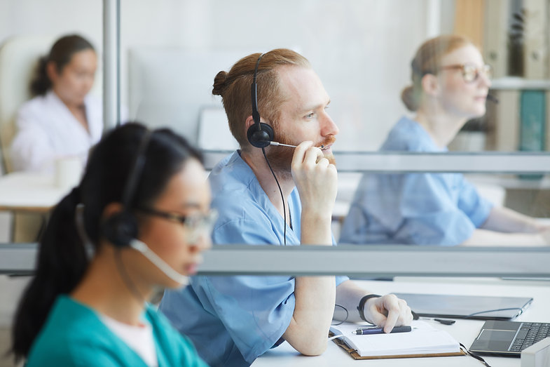 operators-working-in-medical-call-center