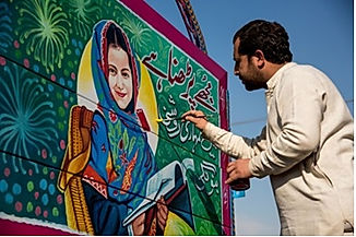 Truck-Artist-Tahir-Hayat-adds-finishing-