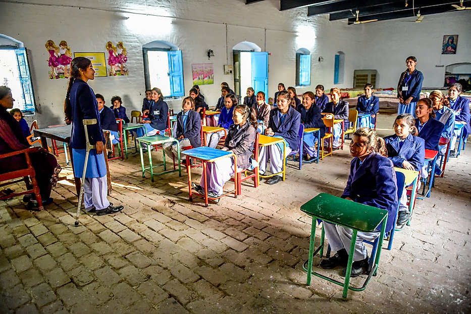 2014-11-20 - Sargodha_0451 - Class Room.