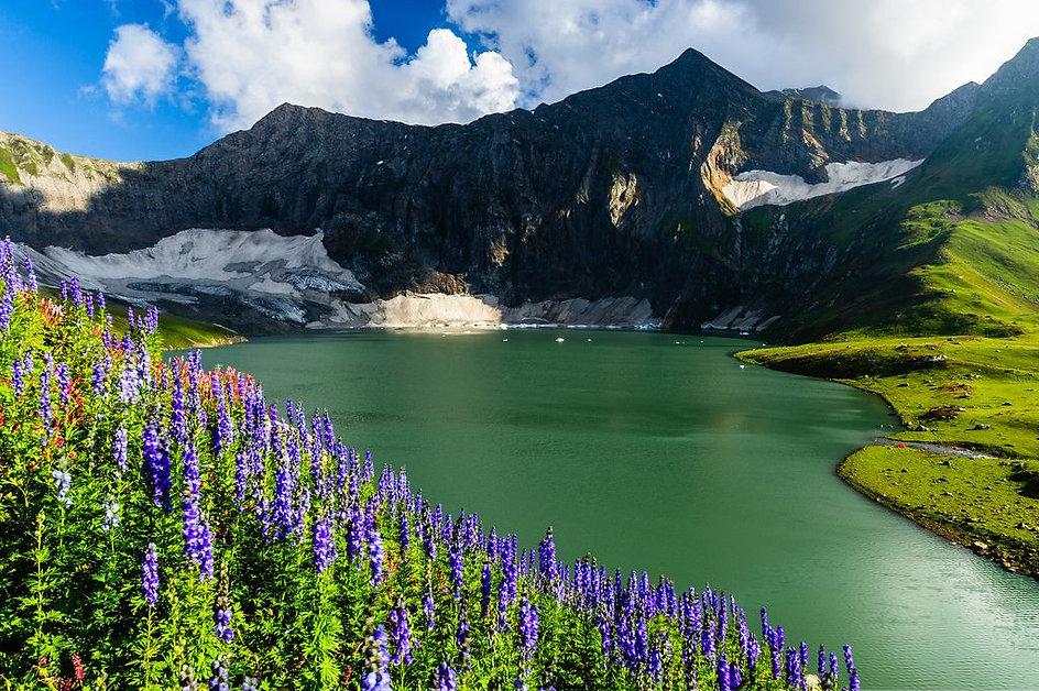 Pakistan page photo 2.jpg