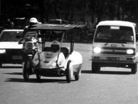 Mobil Listrik Tenaga Surya Pertama di Indonesia