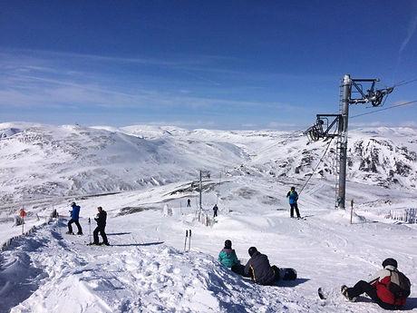 Spring-Skiing-at-Glenshee-Ski-Centre-2.j