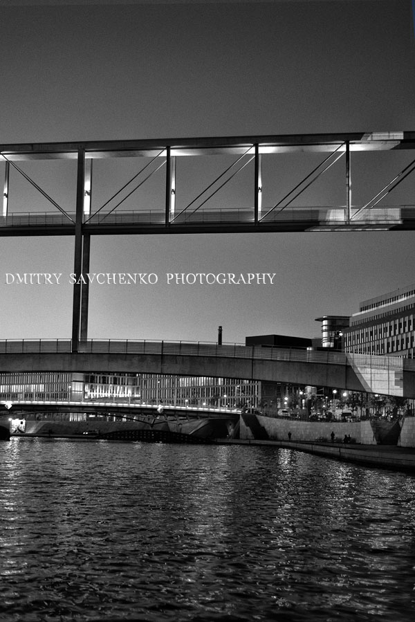 """ Night. The Spree River. Berlin """