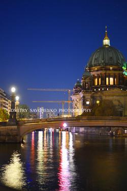 """ Night. The Spree River. Berlin """