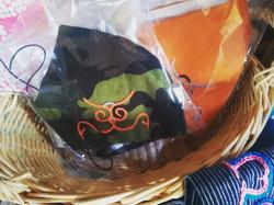 アイヌ文様刺繍マスク