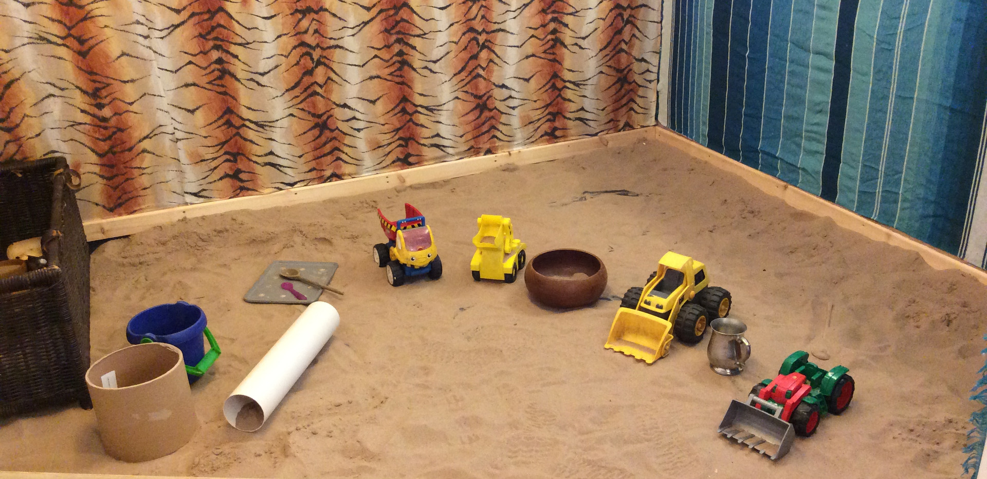 Longworth_Preschool_Sandpit_Toys.JPG