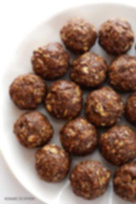 Chocolate-Peanut-Butter-Energy-Bites-2.j