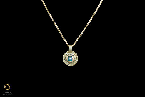 18k gold necklace, pendant with central 0.20ct blue diamond and colored diamonds