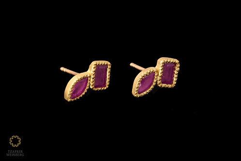 18K Gold earrings with Ruby gemstones