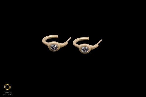 18k Yellow gold gipsy earrings with gray diamonds