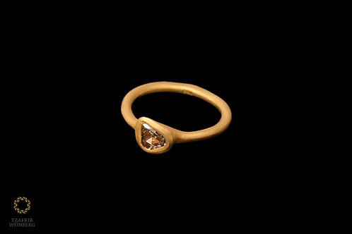 22k gold ring set with a brown diamond 0.45 ct