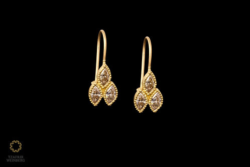 18k Gold earrings with Champagne Diamonds