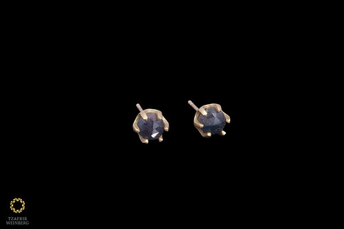 18K Gold solitaire earrings with Sapphire