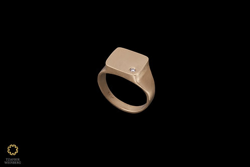 "18k Gold seal ""pinkie"" ring with 0.02ct white diamond"