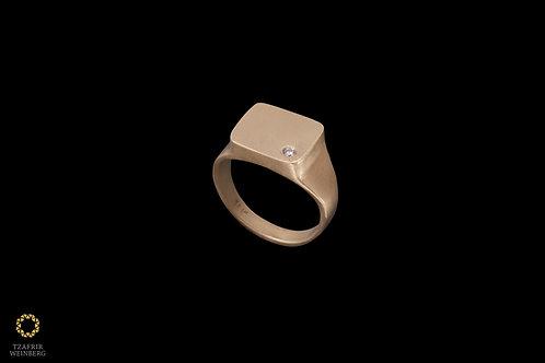 "18k Gold seal ""pinkie"" ringwith 0.02ct white diamond"