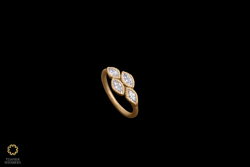 22k Gold ring with 0.88ct marquisechampagne diamond