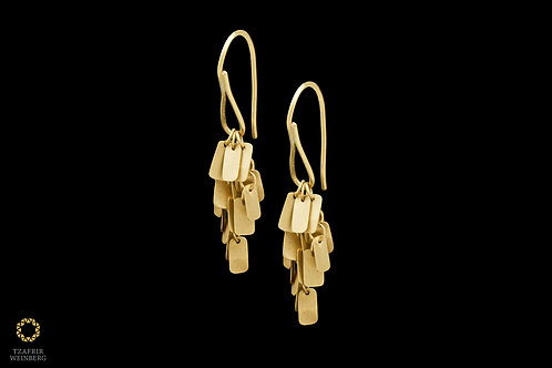 22k Gold chandelier earrings with gold squared leafs