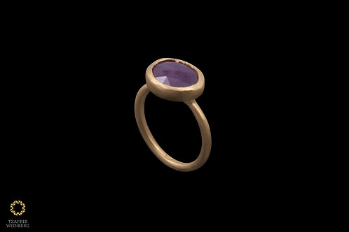 22k Gold ring with a Ruby gemstone