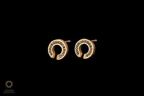 18K Gold earrings with black / green diamonds