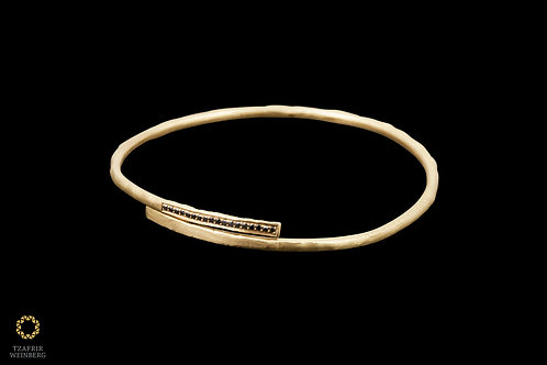18k Yellow gold snake bracelet with black diamonds