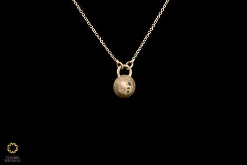 "18k Yellow gold necklace with 5 black diamonds plaid ""half ball"" shapedpendant"