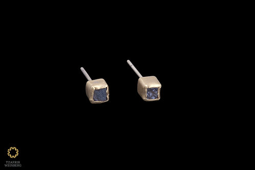 22K Yellow gold earrings with gray raw Diamonds