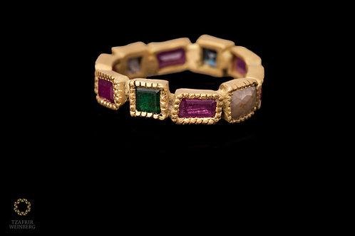 18k Stone ring Ruby Emeraldand diamonds